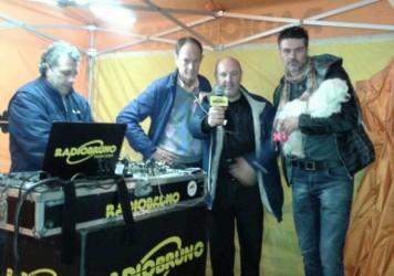 2015_festa_tarufo_micheletti_zini_styand_radio_bruno
